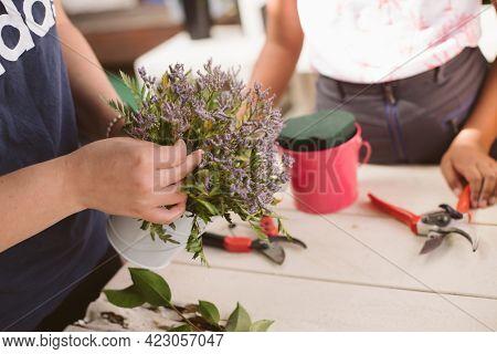 flower workshop, kids birthday party, creating flower arrangements