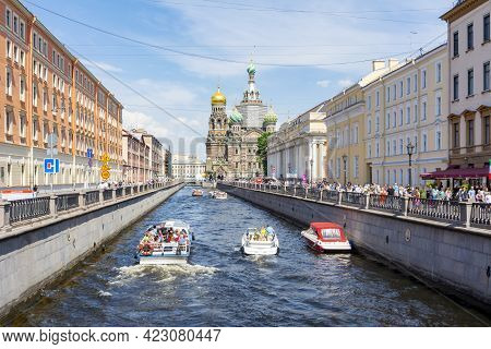 Saint Petersburg, Russia - June 2021: Church Of Savior On Spilled Blood And Boats On Griboedov Canal
