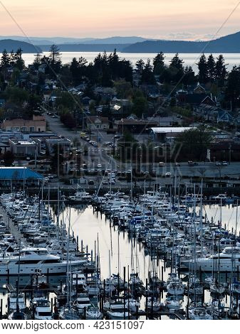 Anacortes, Wa, Usa - April 15, 2019: Anacortes At Sunset, Scenic View From Cap Sante Park