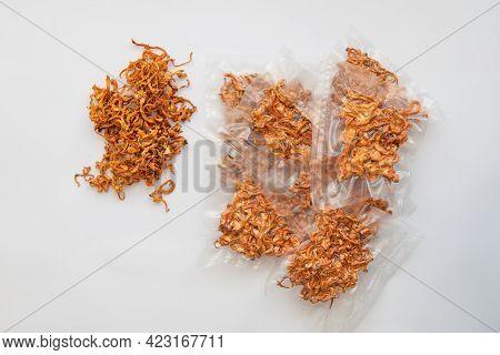 Using Cordycepin. Dry Fresh Cordyceps. Militaris Mushroom. Dry Cordyceps. Militaris Mushroom. Dry Co