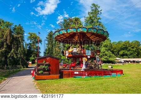 Geneva, Switzerland - July 20, 2019: Carousel In The Botanical Garden Of The Geneve City, A Museum A