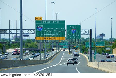 Maryland, U.s.a - May 17, 2021 - The Traffic On Interstate 95 South And 895 South Near Ezpass Expres