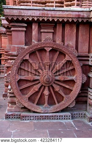 Replica Of Konark Chariot Wheel At Birla Sun Temple In Gwalior, Madhya Pradesh, India, Asia