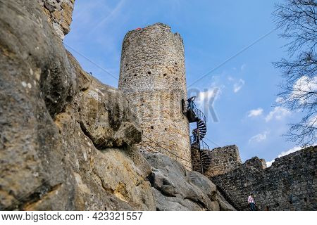 Medieval Gothic Castle Frydstejn In Sunny Day, Romantic Ruins Of Popular Stronghold With Massive Rou