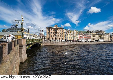 Saint- Petersburg, Russia - August 13, 2018: View Of The Embankment Of Fontanka River In The Histori