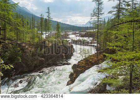 Banks Of The River Hoisey. Polar Day On Putorana Plateau, Taimyr, Russia