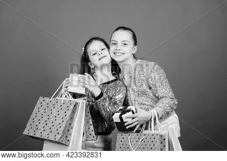 Best Friends. Kid Fashion. Shop Assistant Has Pack. Sales Discounts. Sisterhood. Holiday Purchase. S