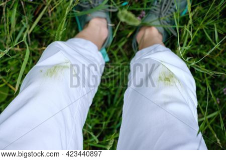 Grass Stains Of On White Pants. Daily Life Dirty Stain For Wash And Clean Concept. High Quality Phot