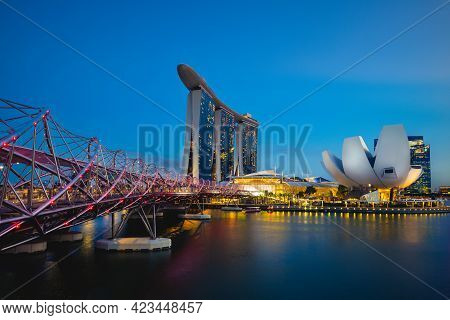 February 6, 2020: Skyline Of Scenery Of The Marina Bay With The Famous Landmark Of Singapore, Sands,