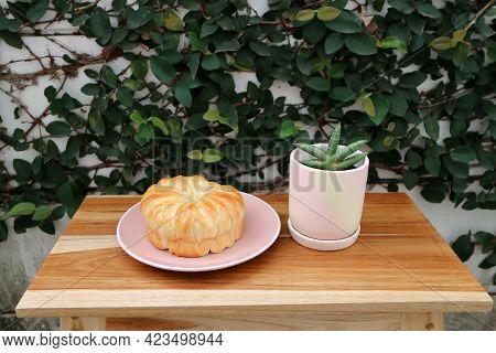 Bread Or Custard Bread, Cream Bread Or Butter Bread For Serve