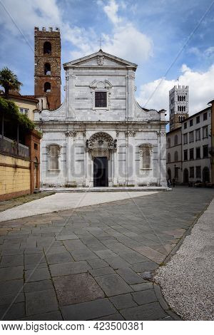 Baroque Church Of Saint Giovanni And Reparata, Ancient White Marble Building In The Town Center Of L