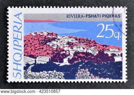 Albania - Circa 1967 : Cancelled Postage Stamp Printed By Albania, That Shows Shore - Piqeras Villag
