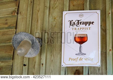 Perpignan , Occitanie France - 06 06 2021 : La Trappe Trappist Beer Sign And Text Logo On Restaurant