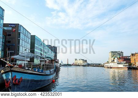 Malmo, Sweden. July 29, 2019, Beautiful Ship- Cafe, On The Canal, Surrounded By Beautiful Architectu