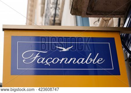 Toulouse , Occitanie France - 06 06 2021 : Faconnable Boutique Logo Brand And Sign Text Front Of Sto