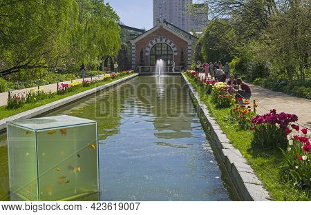Moscow, Russia - May 16, 2021: Unusual Aquarium On The Surface Of The Pond. Aptekarsky Ogorod (a Bra