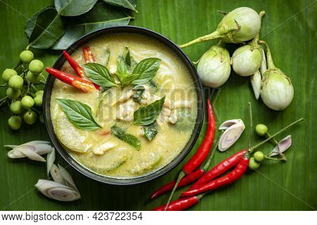 Traditional Green Curry Chicken Cuisine Asian Food, Chicken Green Curry Thai Food On Soup Bowl With