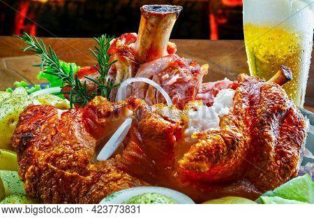 Knee smoked pork roasted food