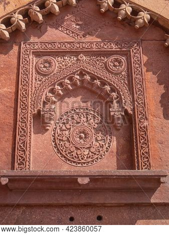 Agra, India - March, 28, 2019: Close Up Of An Ornately Decorated Doorway At Red Fort