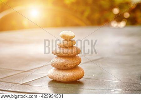 Stone pyramid of pebbles Stone pyramid of pebbles