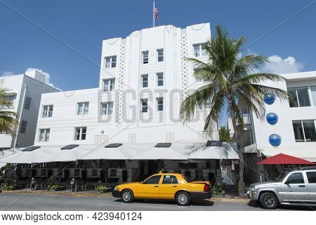 Sunday Morning View On Famous Ocean Drive In Miami Beach (florida).