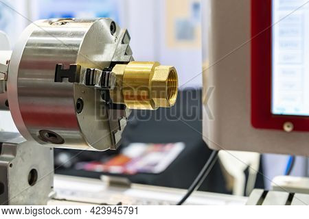 Copper Pipe Fitting Or Brass Joint Inside And Outside Thread Setting On Spindle Chuck Of Automatic H