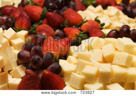 Strawberrys Cheese And Grapes