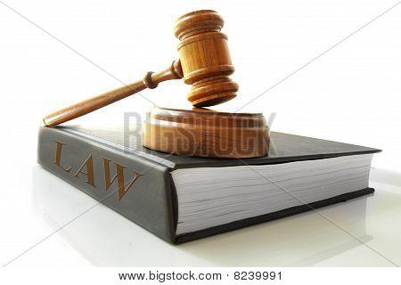 Gesetz