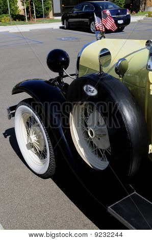 Fender-Mounted Spare Tire