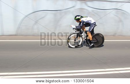 APELDOORN, NETHERLANDS-MAY 6 2016: Omar Fraile of pro cycling team Dimension Data during the Giro d'Italia prologue time trial.