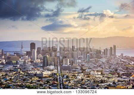San Francisco, California, USA skyline.