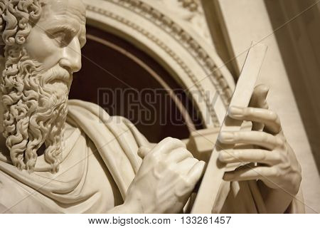 An image of a statue from Apostle John in Loreto Italy