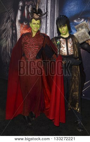 LOS ANGELES - JUN 6:  Jamie Lee Curtis, Thomas Guest at the Warcraft Global Premiere at TCL Chinese Theater IMAX on June 6, 2016 in Los Angeles, CA