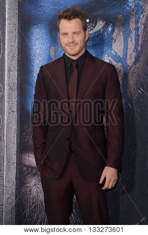 LOS ANGELES - JUN 6:  Robert Kazinsky at the Warcraft Global Premiere at TCL Chinese Theater IMAX on June 6, 2016 in Los Angeles, CA
