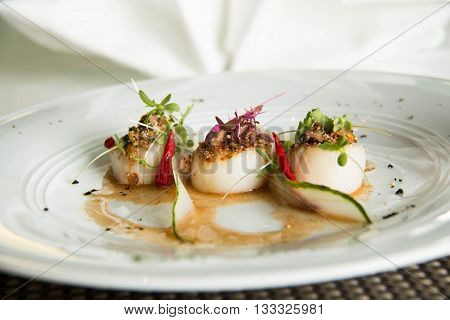 Spicy scallop serve in Thai style (Lab scallop)