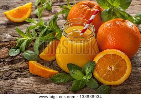 juice of freshly squeezed oranges with mint