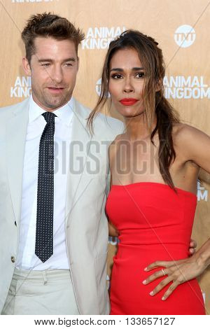 LOS ANGELES - JUN 8:  Scott Speedman, Daniella Alonso at the Animal Kingdom Premiere Screening at the The Rose Room on June 8, 2016 in Venice Beach, CA