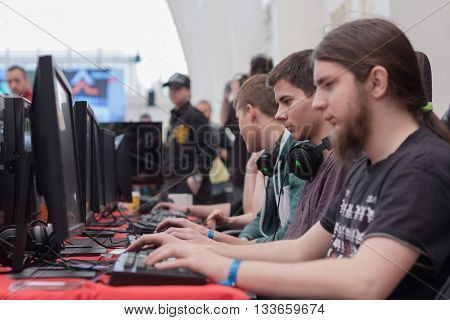 Young Men Play Game On Pc  At Animefest