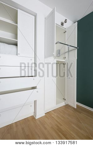 Neat and practical closet in the house