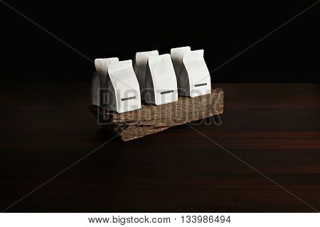 Retailer Merchandise Pack: Six Small Hermetic Pouches White With Blank Labels Presented On Rustic Wo