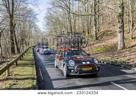 Cote De Senlisse,, France - March 5, 2017: The Technical Car Of Team Sunweb Driving In The Caravan O