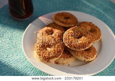 Kurabiye cookies and Turkish tea