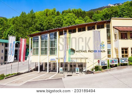 St Wolfgang, Austria - May 17, 2017: Michael Pacher Haus Or House In The Centre Of St Wolfgang Im Sa