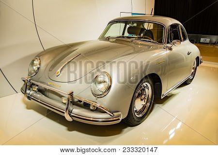 Toronto, Canada - 2018-02-19 : A Porsche 356 Carrera Displayed On The Porsche Ag Exposition On 2018