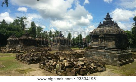 Plaosan, Wonderful Temple Travel Destination in Jogja Indonesia