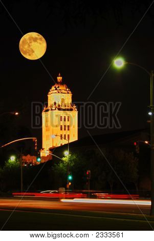 Beverly Hills City Hall Gets Mooned