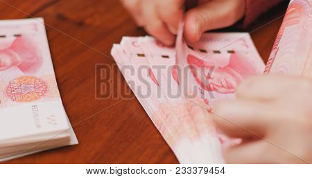 Counting RMB by hand