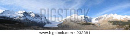 Icefield Center, Columbia Icefield, Jasper National Park, Alberta, Canada