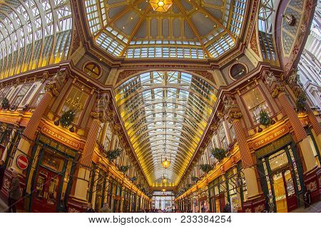 London, England - November 27, 2017: Inside Of The Leadenhall Market With Covered Roof And Shopping
