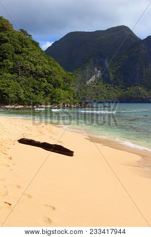 Philippines Beach - Dilumacad Island (aka Helicopter Island) On Palawan Island Hopping Tour.